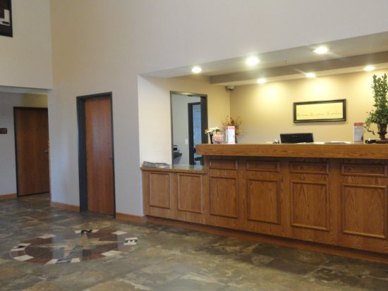 Canby, MN: Front Desk