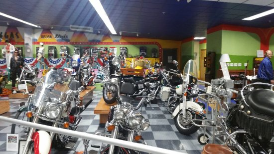 Tallahassee Antique Car Museum: Motorcycle collection