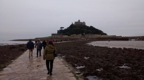 St. Michael's Mount: cobbled walk to the mount