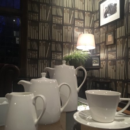 The Hare and Hounds Hotel: photo1.jpg