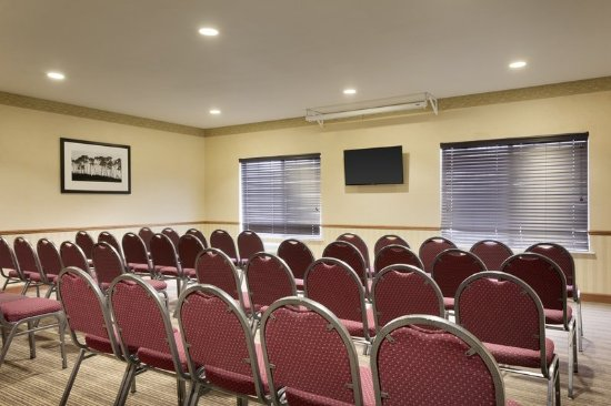 Country Inn & Suites by Radisson, Omaha Airport, IA : Meeting room