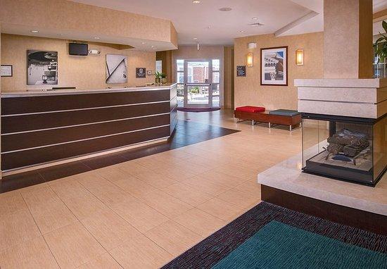 Residence Inn Charlottesville: Lobby