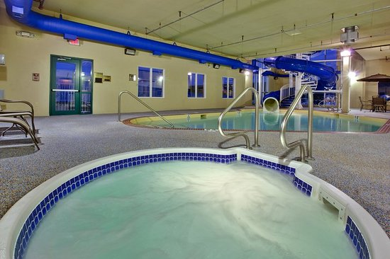 Holiday Inn Express Hotel & Suites Hinton: Pool