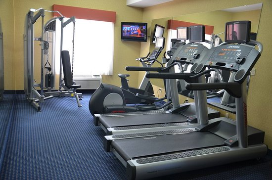Holiday Inn Express Hotel & Suites Hinton: Health club
