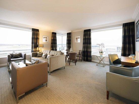 Sofitel London Gatwick: Guest room