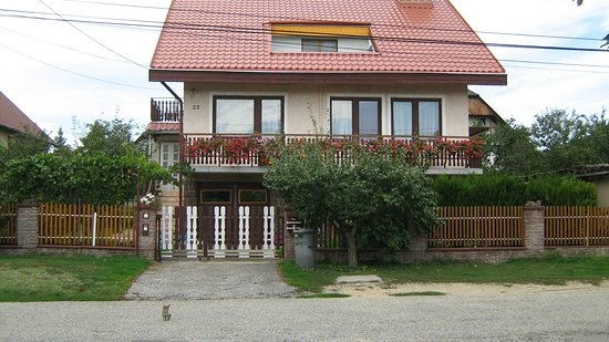 Alsoors, Hungría: Tetőszerkezet felújítás