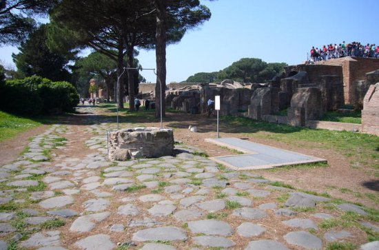 Visite privée d'Ostia antica, le port...