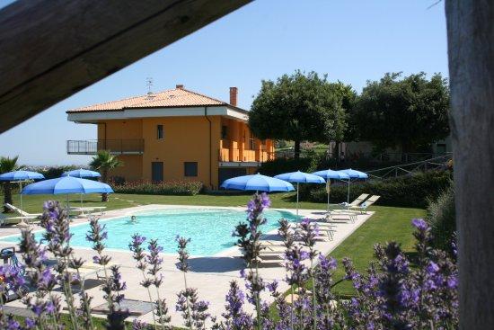 Il giardino sul mare martinsicuro italien omd men - Il giardino sul mare ...