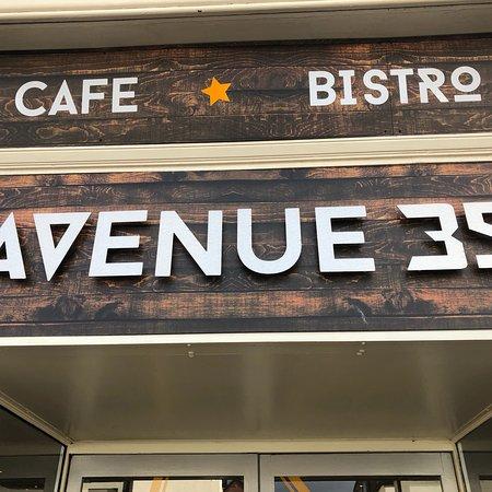 Avenue 39 Cafe/Bistro