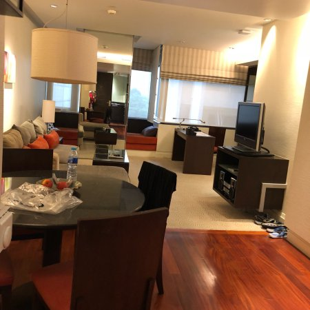 Siri Sathorn Executive Serviced Residence: photo1.jpg