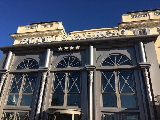 Hotel San Giorgio: Front of hotel.