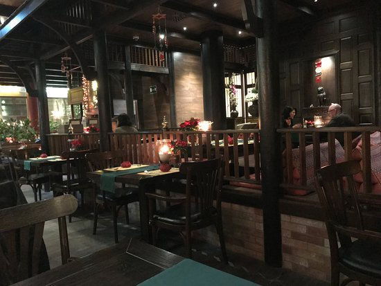 Sala Thai : Late Christmas Eve, most people already gone home!