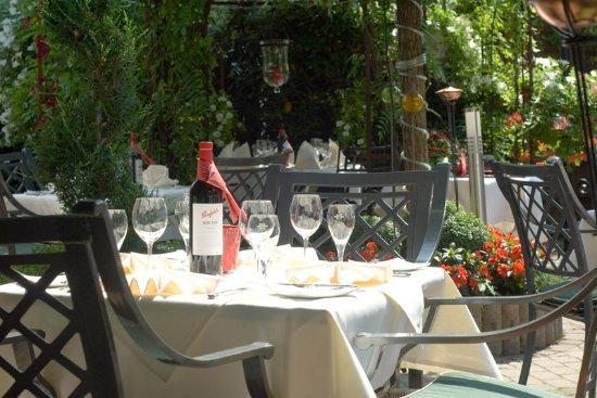 Gartenrestaurant - Bild von Hotel Landhaus Alte Scheune ...