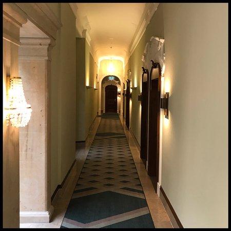 hotelgang picture of gewandhaus dresden autograph collection dresden tripadvisor. Black Bedroom Furniture Sets. Home Design Ideas