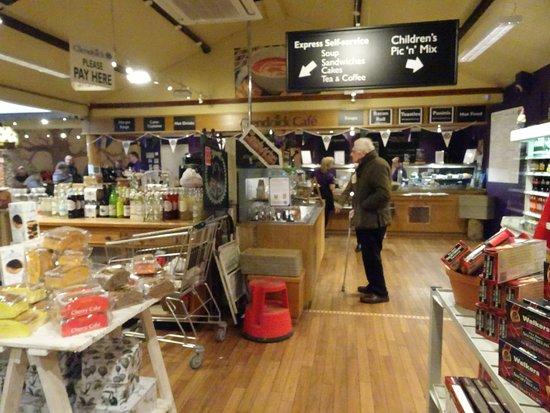 Glencarse, UK: towards the kitchen counter