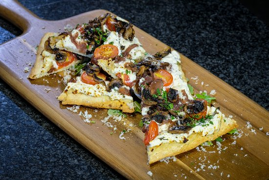 Upper Unionville Golf Club: Flatbread