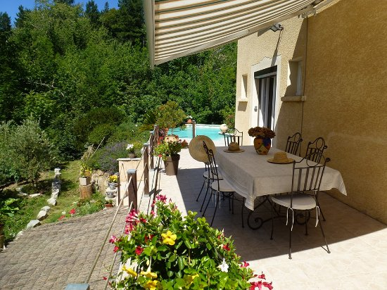 Molieres-Cavaillac, France: terrasse