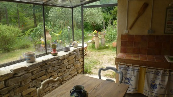 Molieres-Cavaillac, France: terrasse couverte