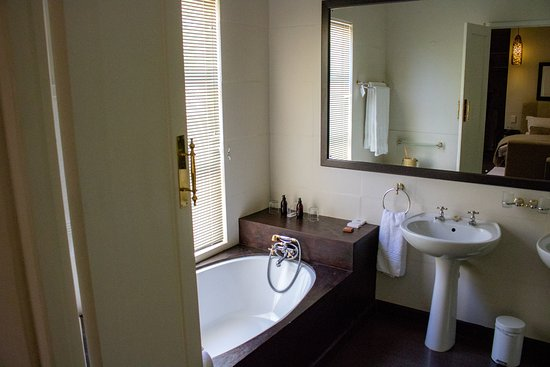 Augrabies Falls National Park, Afrika Selatan: Bad mit WC und grosser Dusche