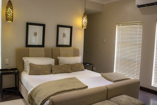 Augrabies Falls National Park, Afrika Selatan: Schlafzimmer mit begehbarem Kleiderschrank und Minibar