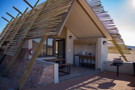Chalet mit Terrasse offener Küche und Grill - Picture of Desert ...