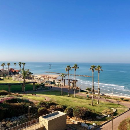 Park Hotel Netanya: Stunning view from the room. Postcard perfect.
