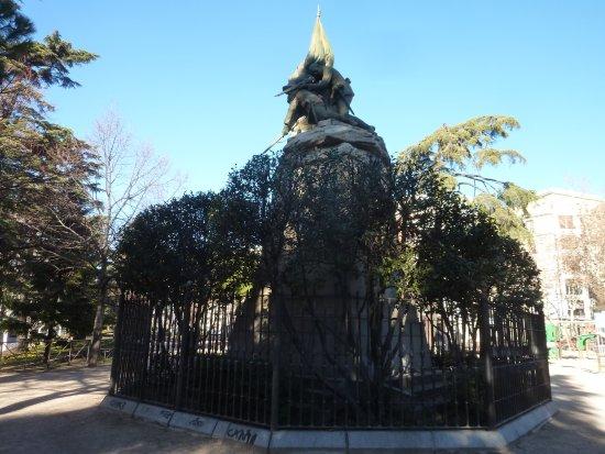 Monumento al General Vara de Rey y los Heroes de Caney