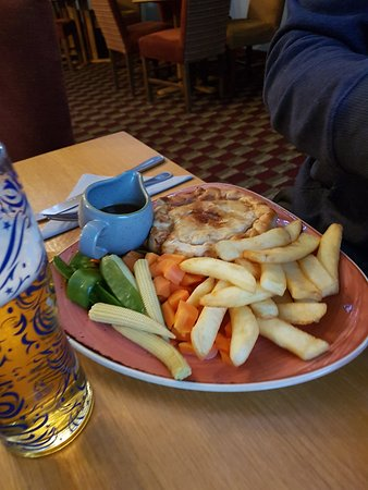 Carrbridge, UK: Steak pie on high tea menu