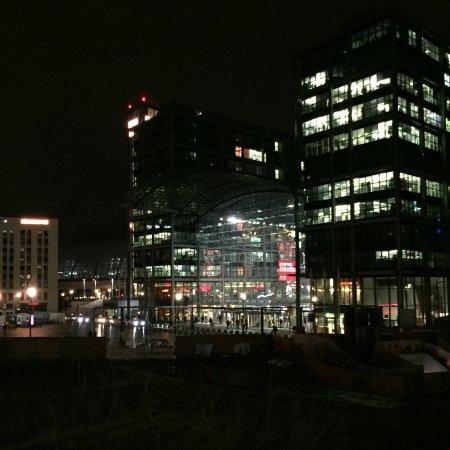 MEININGER Hotel Berlin Hauptbahnhof : photo0.jpg