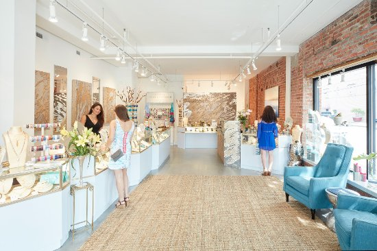 Cape Charles, VA: Moonrise Jewelry Showroom
