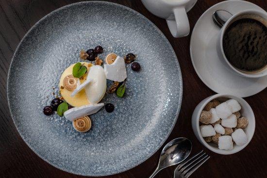 Acton Trussell, UK: Lemon meringue curd
