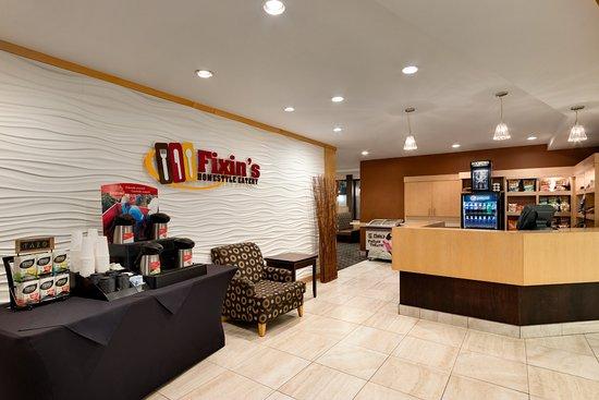 Travelodge Hotel Saskatoon: Fixin's Homestyle Eatery