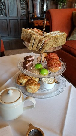 Lewtrenchard Manor : Delicious Afternoon Tea