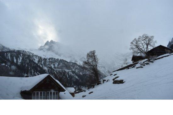 Gimmelwald, Schweiz: View from Room #5 Skylight