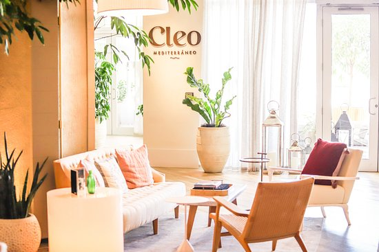 Breakfast And Dinner Review Of, Cleo S Furniture Little Rock