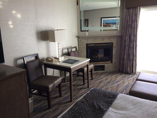 2 queen oceanfront room picture of elizabeth oceanfront. Black Bedroom Furniture Sets. Home Design Ideas