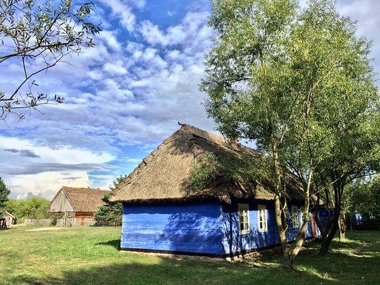 Maurzyce, بولندا: 建物と空の青がとマッチしています。