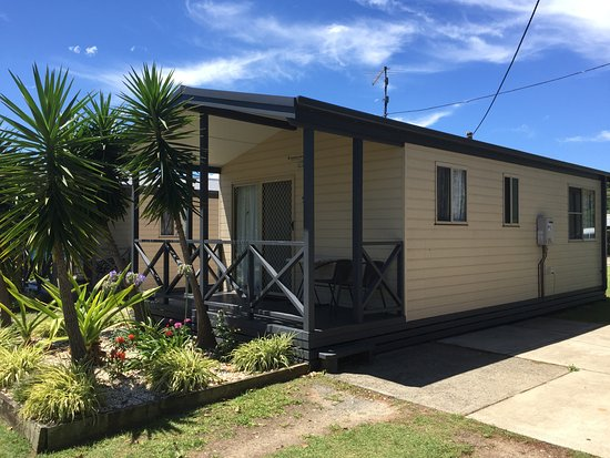 Clarence Head Caravan Park: 2 Bedroom Cabins