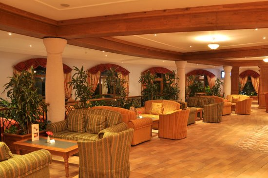 Kempinski Hotel Grand Arena : Lobby