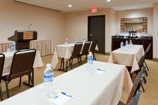 Austinburg, OH: Meeting room