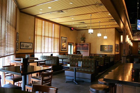 Golden Valley, MN: North Dining Area