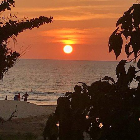 Surin Province, Thailand: Фото пляжа Сурин 02.02.2018. Очень рекомендую пляж Сурин - чистейшее море, немного народа. Пляж