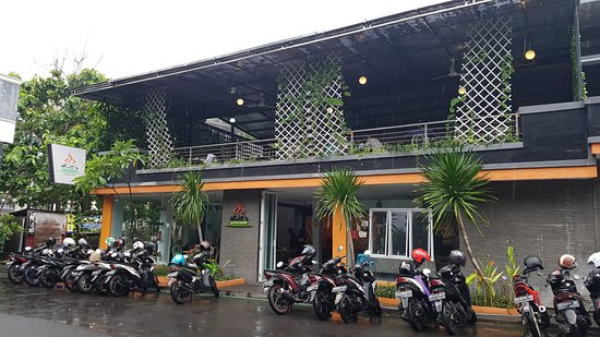 Nice ARJeu0027s Kitchen: Tampak Depan Restoran