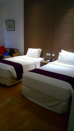 Pondok Brastagi, Indonesia: Our clean and spacious room.