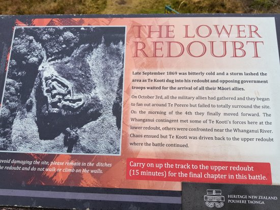 Tongariro National Park, นิวซีแลนด์: Signage for Lower Redoubt