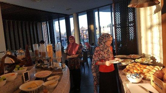 Bila-Bila Restaurant: 20180203_074809_large.jpg