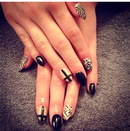 Vibrant Salon & Spa: manicure and pedicures at our nail salon