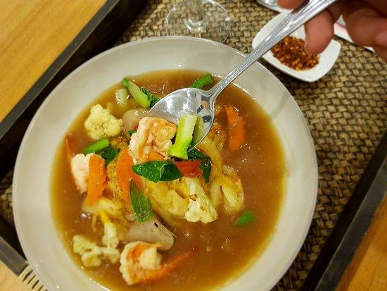 Thai Spice Cuisine: RAD NA, Noodle with gravy sauce