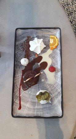 Raon-l'Etape, Francja: Juste le Dessert...!!!!! Le fondant avec sa meringue exquise....