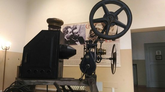 """Zibello, Italie : Alcuni pezzi dell'ampia collezione di Narducci esposti al museo """"Il Cinematografo"""" di Zibelli"""